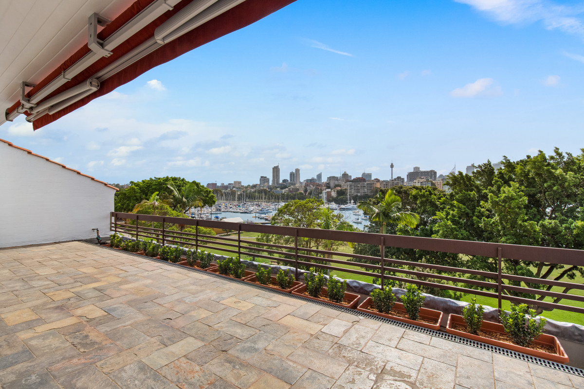 homelife peninsula property management review