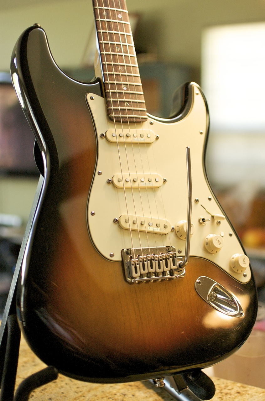 fender american deluxe stratocaster review